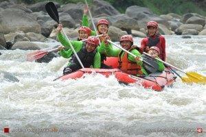 Paket Arung Jeram Sungai Progo dan Sungai Elo untuk Pemula