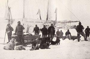 580px-Nansen_Johansen_depart_14_March_1895 - Copy