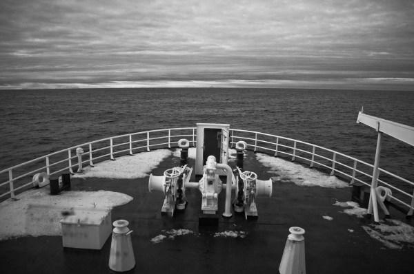 Sailing towards the horizon with R/V Helmer Hansen (Photo: Valentina Lanci).