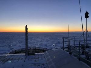 solnedgang på FF Kronprins Haakon