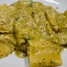 Pasta pesto di zucchine, provola e zucchine