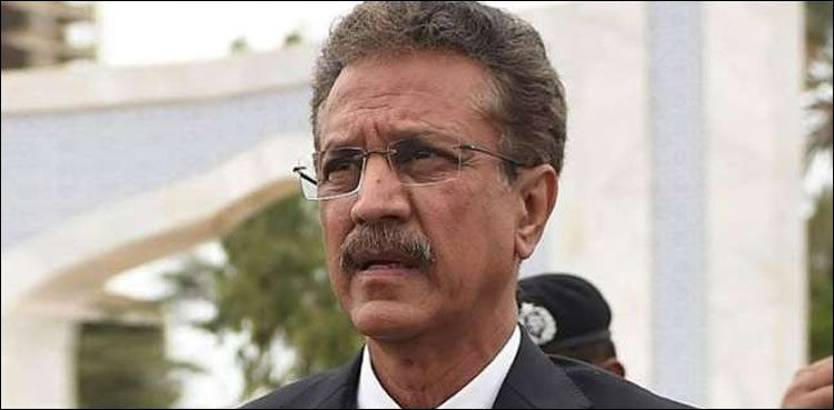 Photo of Wasim Akhtar surrenders passport on courtroom order