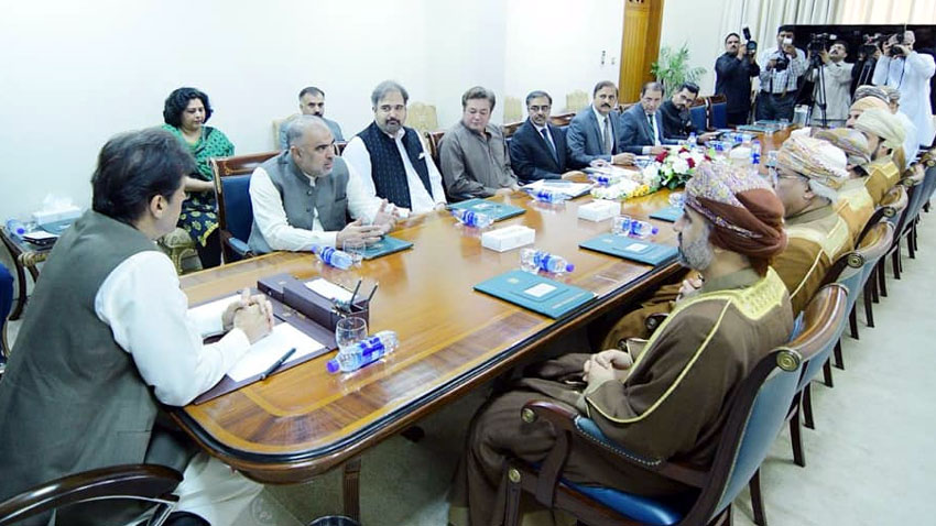Photo of PM Khan apprises Omani delegation about hardships of Kashmiris