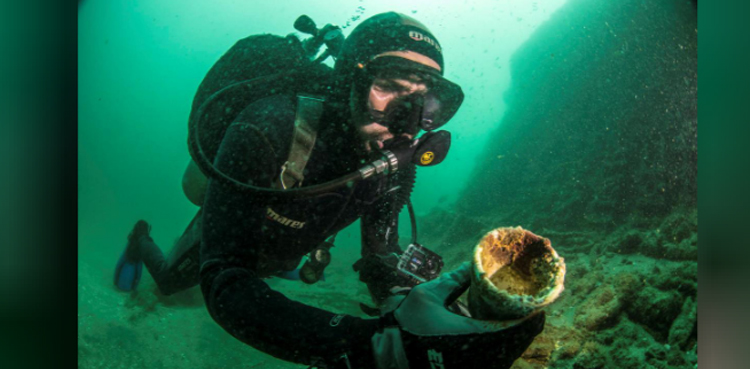 Photo of 16th-century anchors supply clues into Spanish conquest