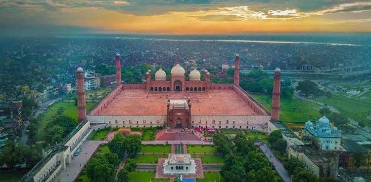 Photo of 'Lahore safer than London, Paris'