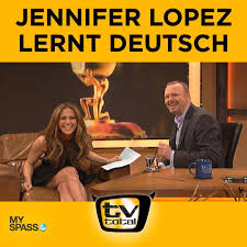 Read more about the article Jennifer Lopez speaks German with Stephan Raab in TV Total!
