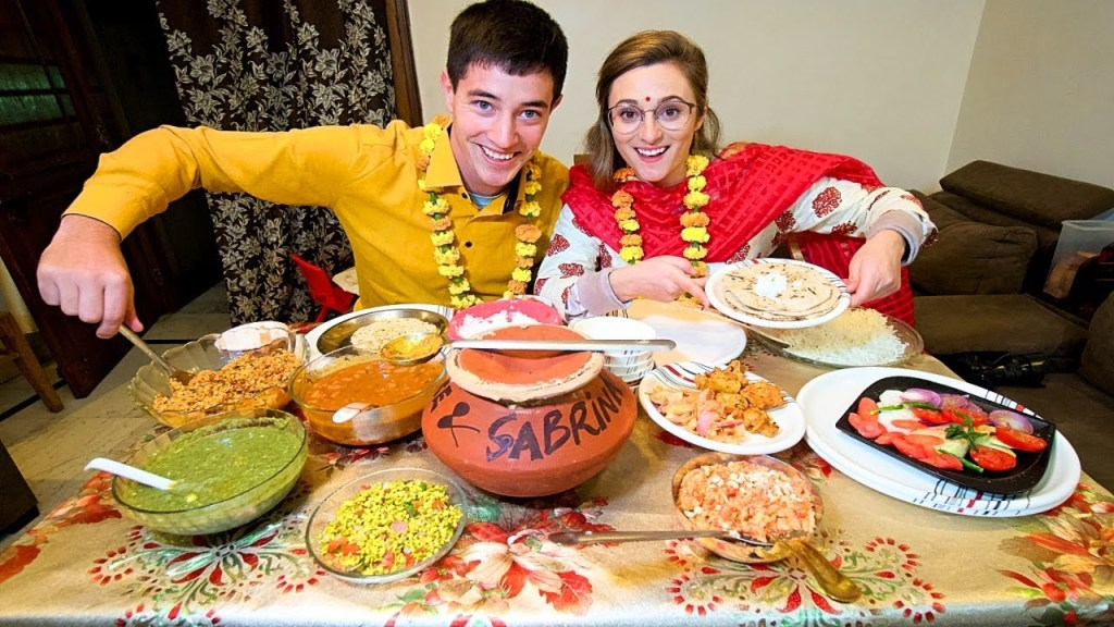 Home-Cooked Indian Food in Delhi, India!! MOM'S RAJMA + LOVELY Family Food in India!
