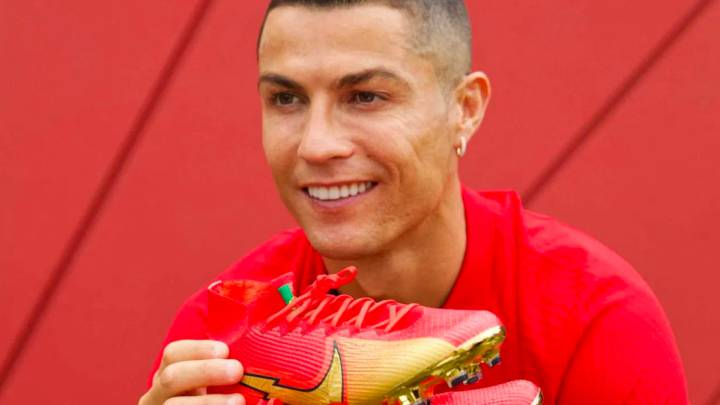 Cristiano to use bespoke 100 goal Nike boots in France game