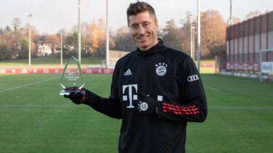 "Lewandowski: ""It's an honour to be the first winner of the AS / WFS Player of the Year"""