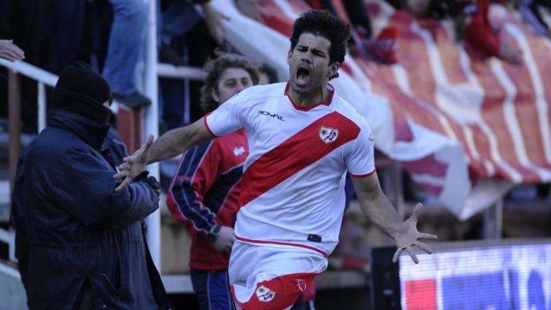 Diego Costa esulta dopo aver segnato un gol con il Rayo Vallecano. Foto: Rafa Aparicio, Diario AS.