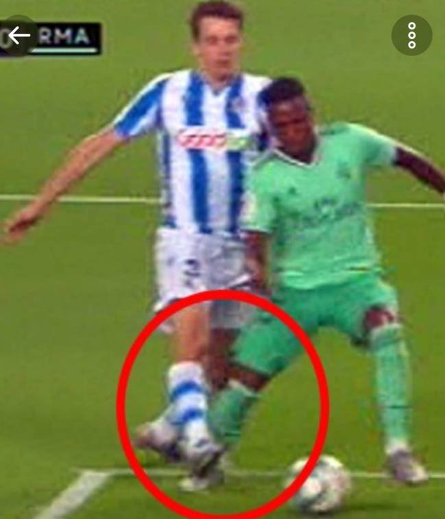Penalti a Vinicius