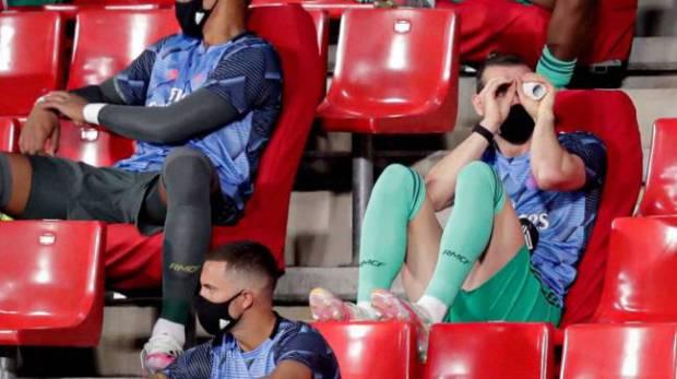 Bale's bincoulars joke during the Granada game.