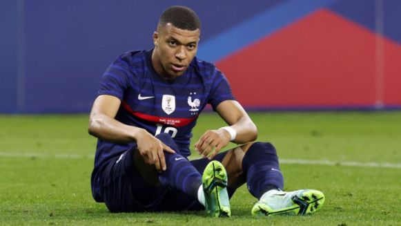 Mbappé informs PSG of decision to not renew contract