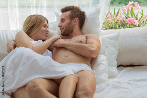 romantic couple in bedroom kaufen sie