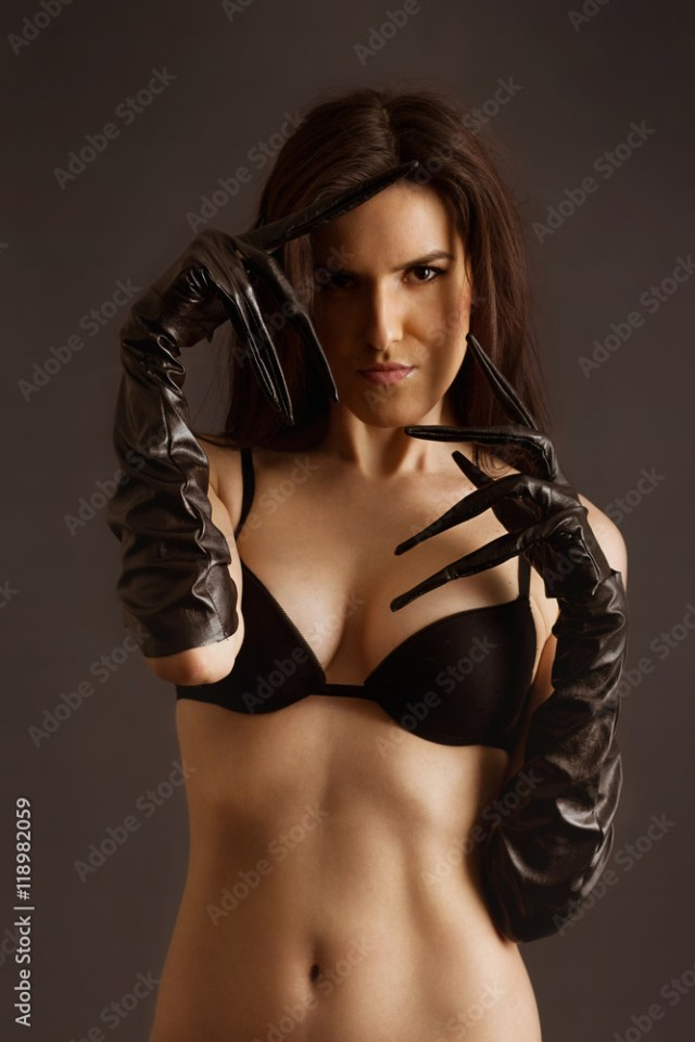 Fotografia Naked Young Girl In Leather Latex Gloves Catwoman Style I Europosters Es