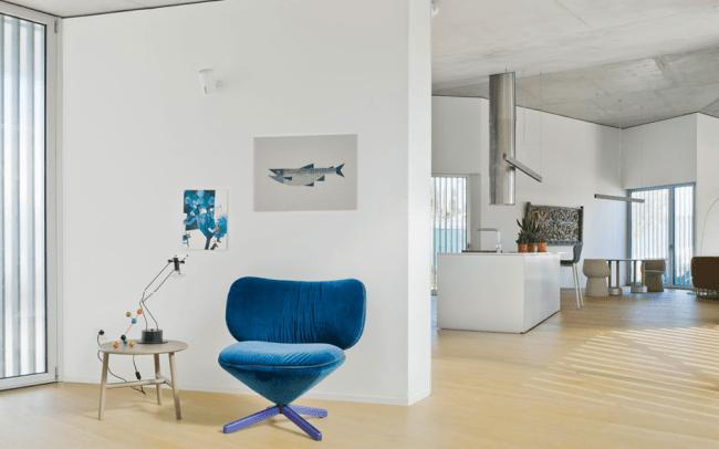 interieurtrends blauwe stoel in woonkamer