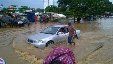 Photo of NADMO, millitary move to rescue victims of Accra floods, one dead.