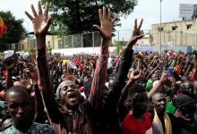 Opposition protesters call on Ibrahim Boubacar Keïta to resign