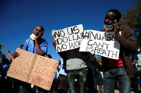 Zimbabwe nurses protest