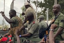 "Photo of Soldiers in Mali ""seize President Ibrahim Boubacar Keïta"""