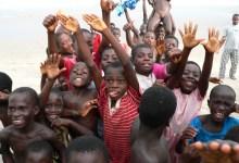 Children at Anomabu Beach