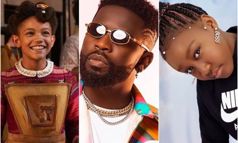 Diana (L), Bisa Kdei(M), Princess K (R) making Ghanaians proud in the new NetFlix film, Jingle Jangle. Photo: Opera News/Ghanamusic.com/PrincessKofiicial Instagram