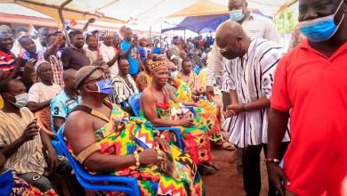 Chiefs and people of Nawuri and Nchumuru Traditional Areas receiving Dr. Mahamudu Bawumia