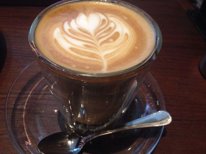 東京ロビーのカフェラテ
