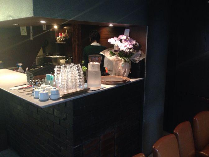カヤバ珈琲の店内カウンター