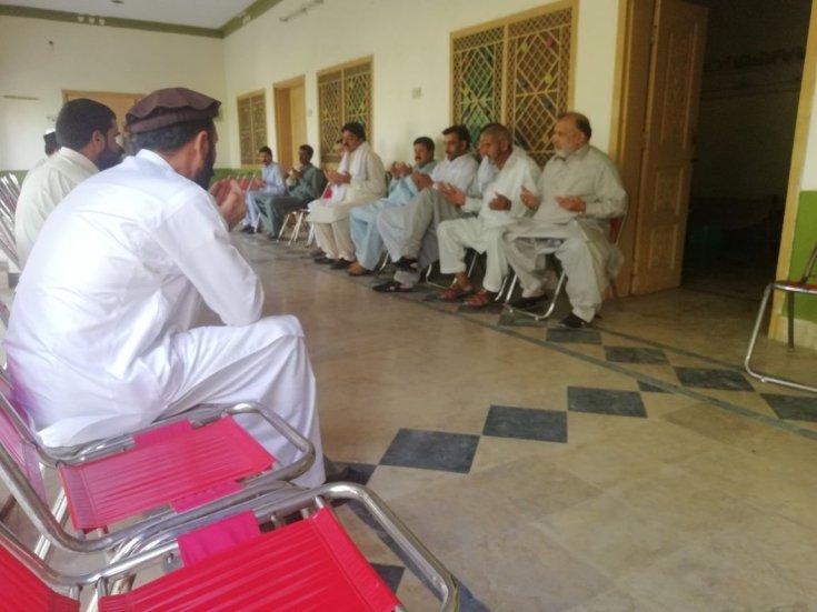 *حلقہ این اے 54، اسلام آباد*یونین کونسل ترنول کے گاوں پنڈ پڑیاں میں پی ٹی آئی کے کارکن کے عزیز کی وفات پر فاتحہ خوانی کی۔ اس موقع پر ملک امتیاز، عجائب خان، خان بہادر، سعید خان اور یوسی ٹیم کے دیگر افراد بھی موجود تھے۔