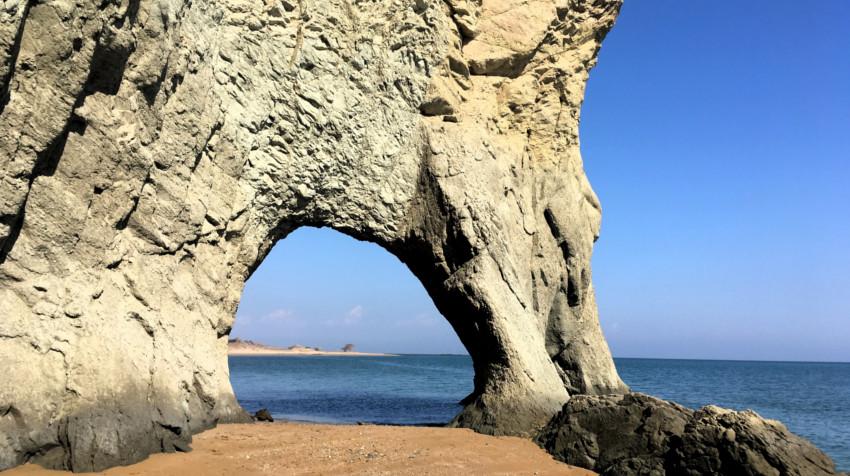 iran off the beaten path - Isla de Hormuz