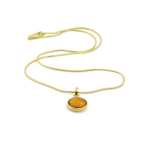 Halsband med sten av syntetisk kvarts infattat i guldpläterat silver