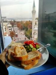 pemandangan-dari-teras-esra-sultan-hotel