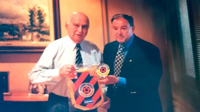Nicolau Casaus and Alberto Caloggero (President of the Barcelona supporters club in Buenos Aires)