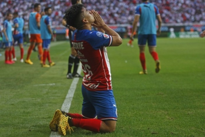 The document clarifies doubts about the return of Mexican soccer during the