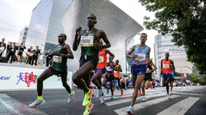 The runners will be able to obtain the medal of this edition if they were already registered and complete the circuit next year. (Photo: CDMX Marathon)