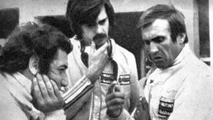 Meeting in Brabham: from left to right, José Carlos Pace, Gordon Murray and Carlos Reutemann (CORSA Archive).