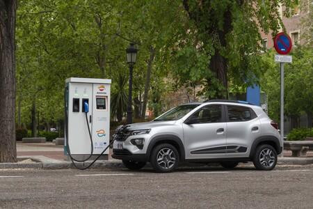 Dacia Spring charging