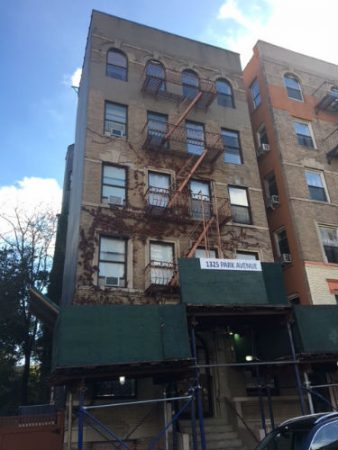 Photograph of 1325 Park Avenue building.