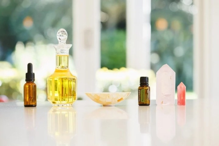 Ingredients for a DIY hair mask to promote hair growth on the kitchen bench