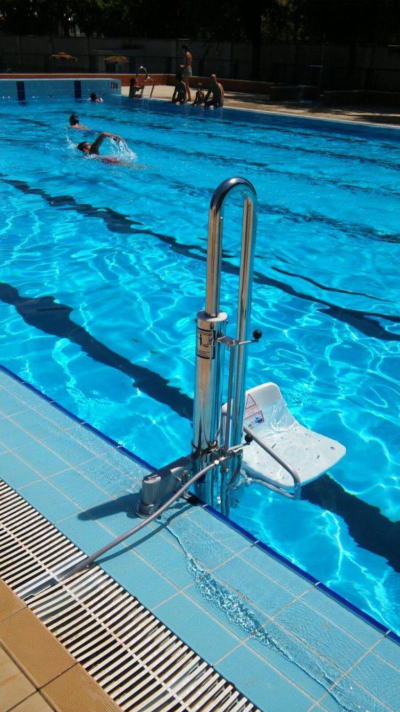 Elevador para piscina Mecanismo Hidráulico Sevilla Discapacidad verano