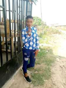 Two alleged yahoo boys, native doctor, kidnapper burnt alive in Edo State for allegedly killing 17-year-old girl (graphic photos) 2