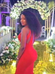 Photos of a beautiful Nigerian female police officer goes viral 1
