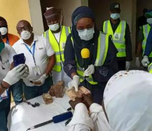 Coronavirus: FG begins disbursement of N20, 000 to poor Nigerians in Abuja (photos)