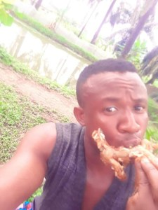 Hungry Nigerian man makes stew with Frog meat (photos) 13