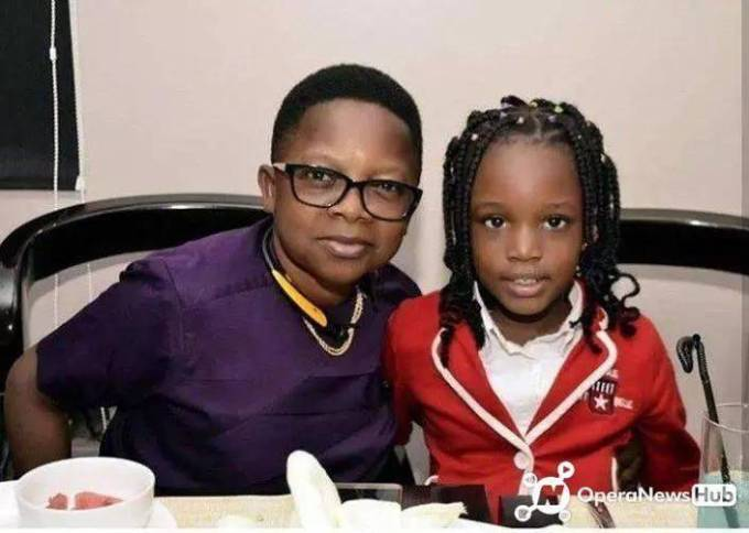 Check Out Amazing Photos of Aki and Pawpaw Wives and Children 1