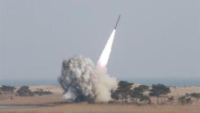 صورة كوريا الشمالية تطلق صاروخين باليستيين تجاه البحر الشرقي