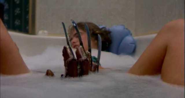 La clásica escena de la bañera