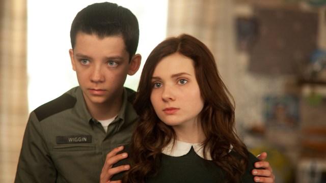 Ender y su hermana Valentine (Abigail Breslin)