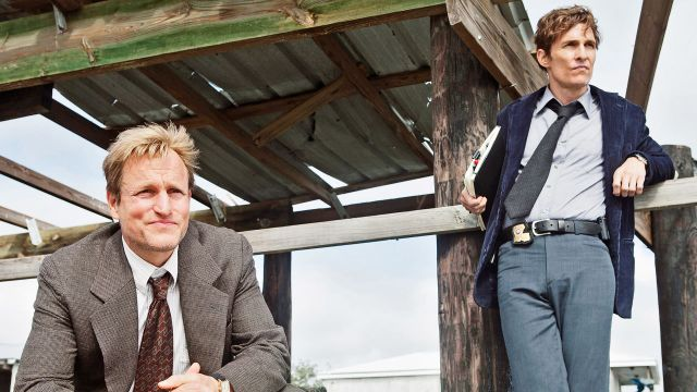 Rust Cohle (Matthew McConaughey)  y Martin Hart (Woody Harrelson)